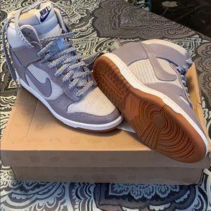 Dunk Sky Hi VNTG Nike Sneakers
